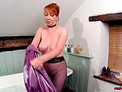 Red XXX playing with her snatch as in stockings maturepornvideos xxx