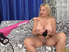 Fuckable Granny Cala craves picks up doomed by a jamming Machine mature porn videos
