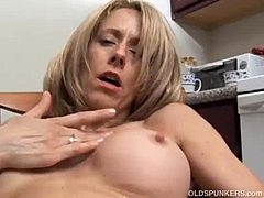 Amazing MILF has a drenched cookie Mom Porn